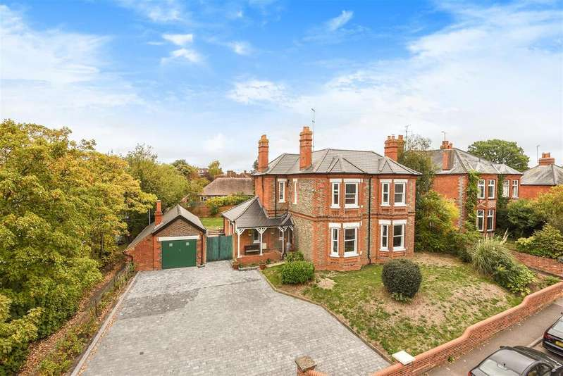 3 Bedrooms Detached House for sale in Langborough Road, Wokingham, Berkshire RG40 2BT