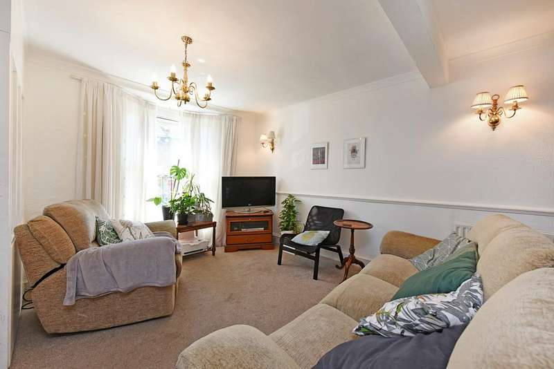 3 Bedrooms Terraced House for sale in Benn Street, London