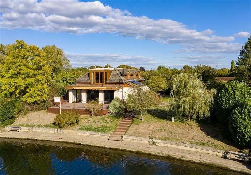 6 Bedrooms Detached House for sale in Laleham Reach, Chertsey, Surrey