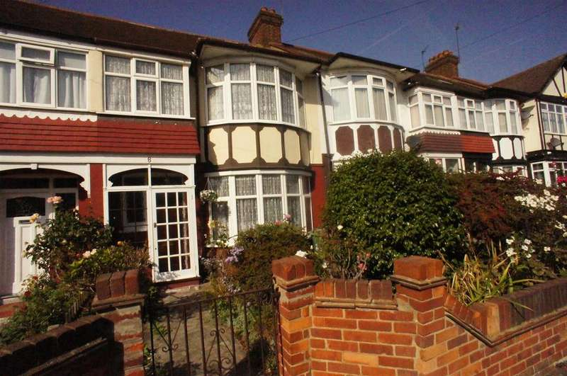 3 Bedrooms Terraced House for sale in Middleton Close, London