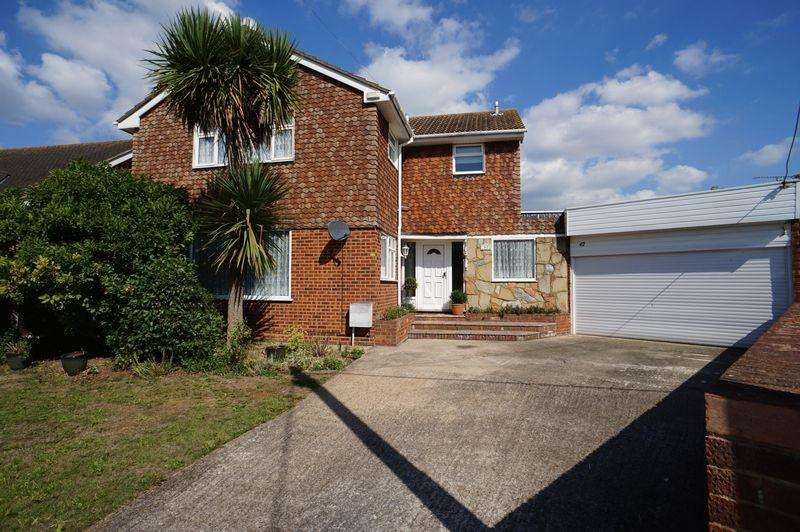 5 Bedrooms Detached House for sale in Mayland Avenue, Canvey Island