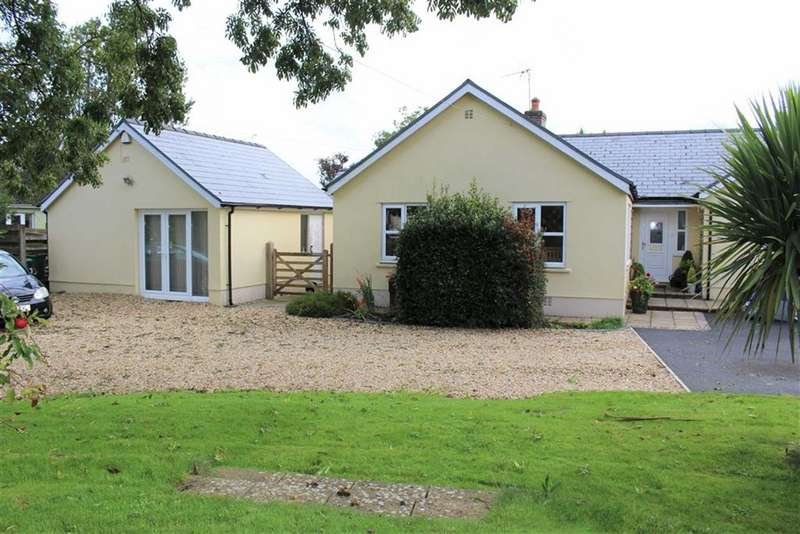 4 Bedrooms Detached Bungalow for sale in Freshwater East Road, Lamphey, Pembroke
