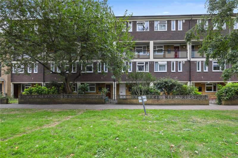 2 Bedrooms Flat for sale in Creswick Walk, Bow, London, E3
