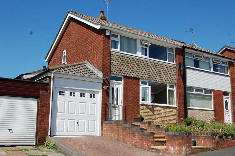 3 Bedrooms Semi Detached House for sale in Redwood Lane, Lees, Oldham, OL4 3JT