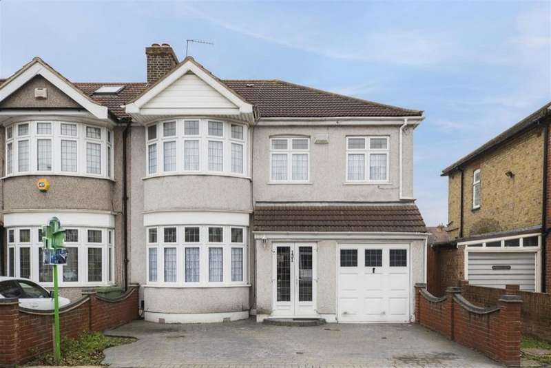 4 Bedrooms End Of Terrace House for sale in Havering Gardens, Chadwell Heath, RM6