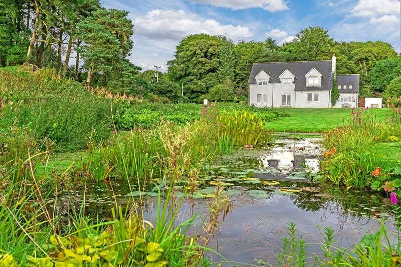 3 Bedrooms Country House Character Property for sale in Howgate, Penicuik, Midlothian EH26
