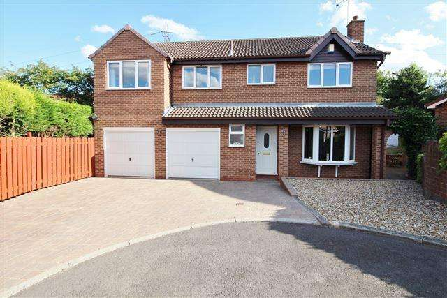 5 Bedrooms Detached House for sale in Darfield Avenue, Owlthorpe, Sheffield, S20 6SU