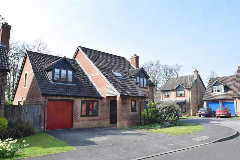 4 Bedrooms Detached House for sale in Balmore Park, Caversham, Reading