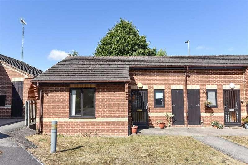 1 Bedroom Retirement Property for sale in Kennet Court, Wokingham, Berkshire RG41 3DB