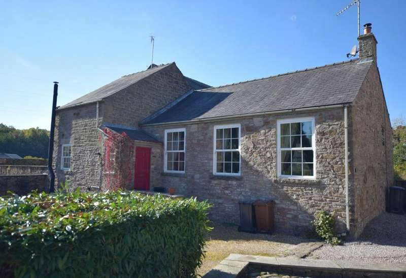 3 Bedrooms Semi Detached House for sale in Bridgeholme, Chinley