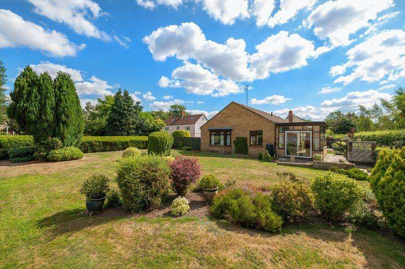 3 Bedrooms Bungalow for sale in Church Lane, Old Bolingbroke