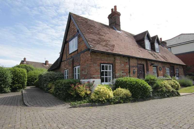 1 Bedroom Retirement Property for sale in Coach House Cottages, Reading Road, Pangbourne, Reading