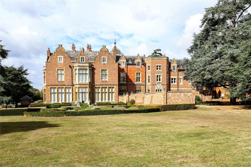 3 Bedrooms Flat for sale in Meryton House, Longbourn, Windsor, Berkshire, SL4