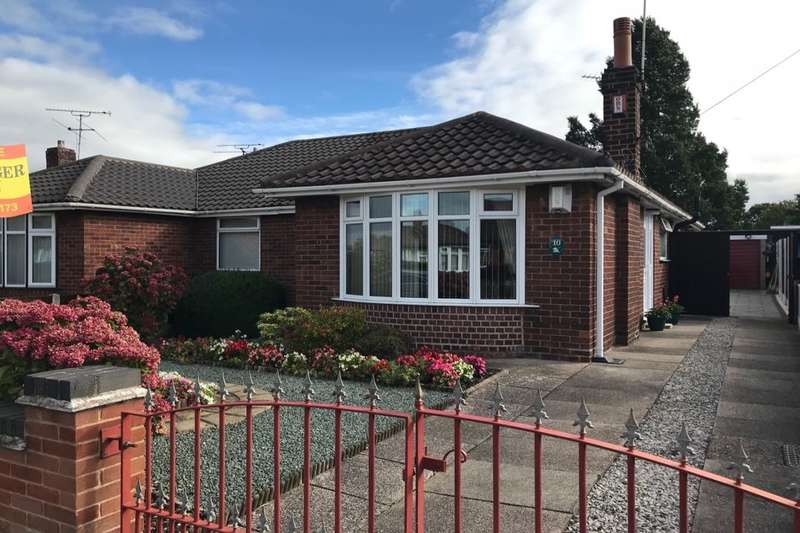 2 Bedrooms Semi Detached Bungalow for sale in Marley Avenue, Crewe, CW1