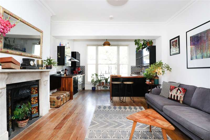 2 Bedrooms Flat for sale in Amhurst Road, Hackney, E8