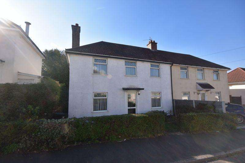 3 Bedrooms Semi Detached House for sale in Clare Road Kingswood
