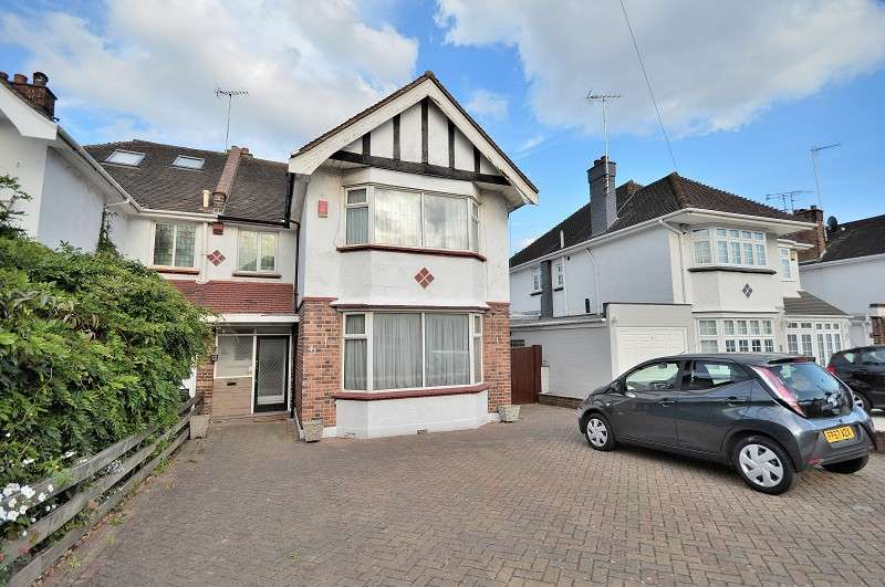 4 Bedrooms Semi Detached House for sale in Brookdale , London, Greater London. N11