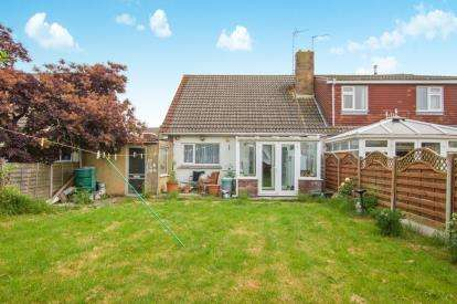 3 Bedrooms Bungalow for sale in Bourton Avenue, Patchway, Bristol, Gloucestershire