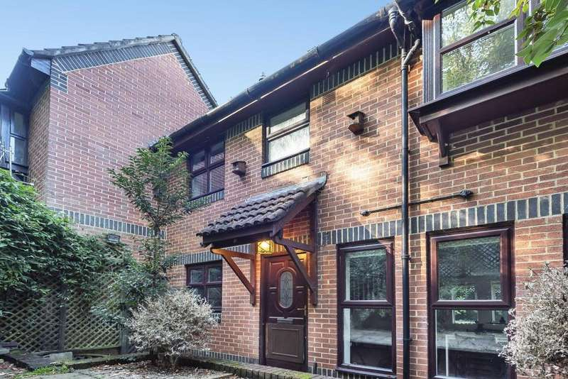 2 Bedrooms Detached House for sale in Grovelands Close, East Dulwich