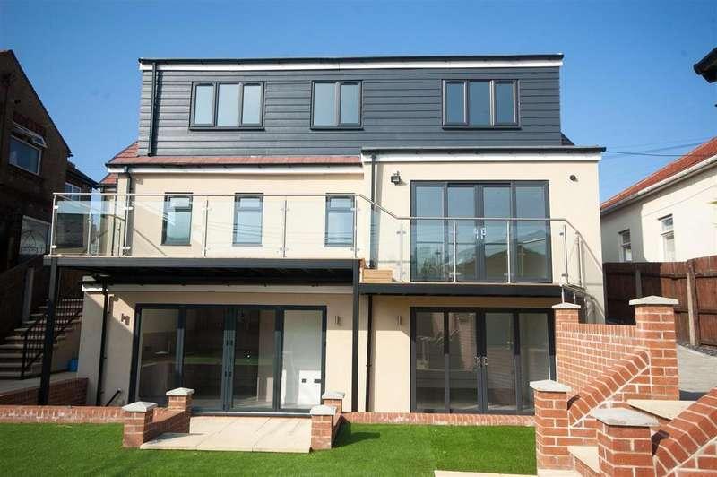 4 Bedrooms Detached House for sale in Durham Road, Sunderland