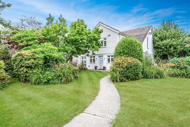 4 Bedrooms Detached House for sale in Hull Place, Sholden, Deal