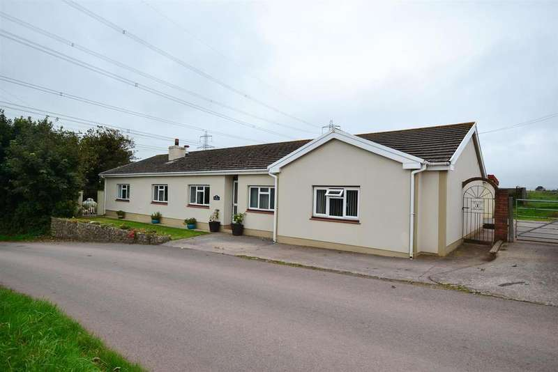 3 Bedrooms Detached Bungalow for sale in Grove Hill, Pembroke