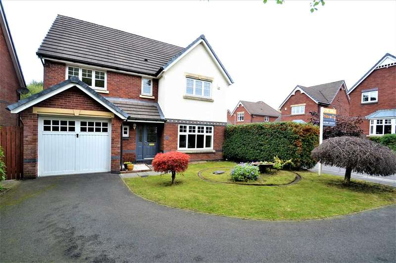 4 Bedrooms Detached House for sale in Glazebury Drive, Westhoughton