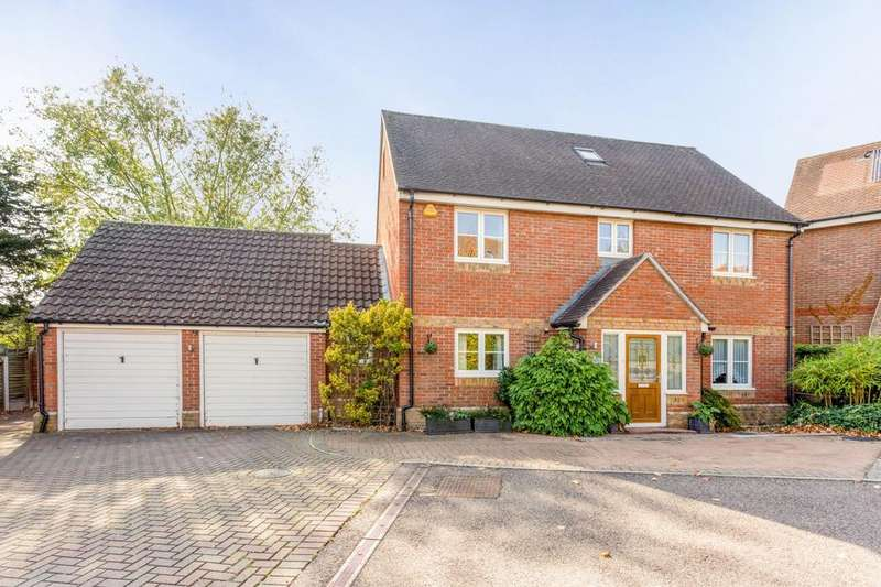 5 Bedrooms Detached House for sale in Emneth Acre, Maldon, Essex, CM9