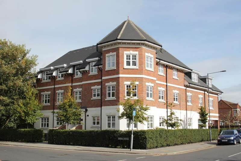 2 Bedrooms Apartment Flat for sale in Bridge Avenue, Maidenhead