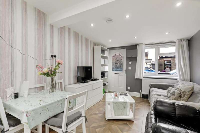 1 Bedroom Bungalow for sale in Cowper Road, Hanwell W7