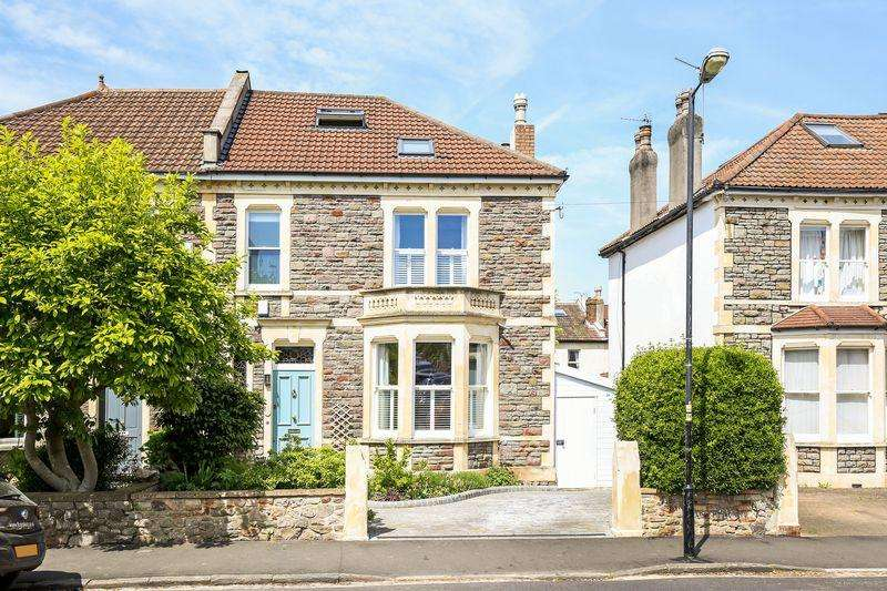 4 Bedrooms Semi Detached House for sale in Effingham Road, St Andrews