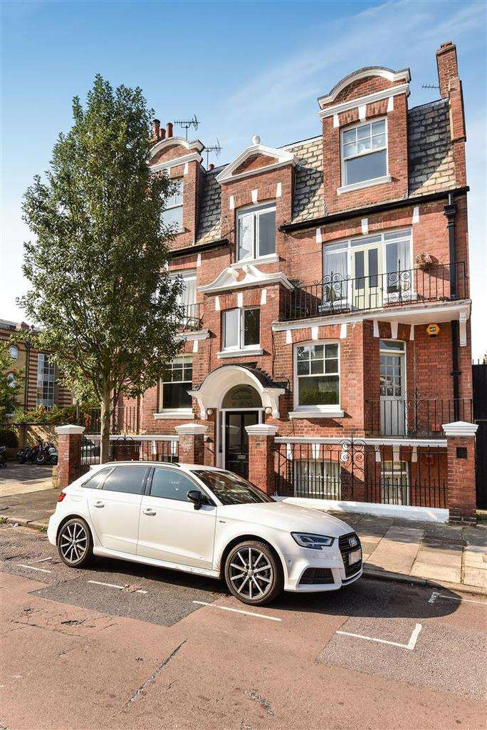 2 Bedrooms Flat for sale in Arundel Terrace, Barnes, London, SW13