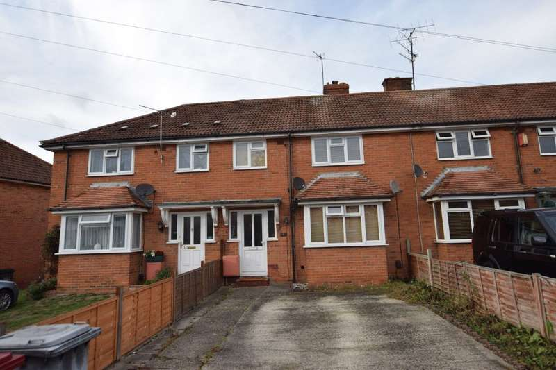 3 Bedrooms Terraced House for sale in Cressingham Road, Reading, RG2