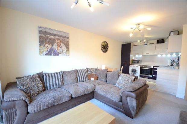 2 Bedrooms Apartment Flat for sale in Bellamy House, Ashville Way, Wokingham