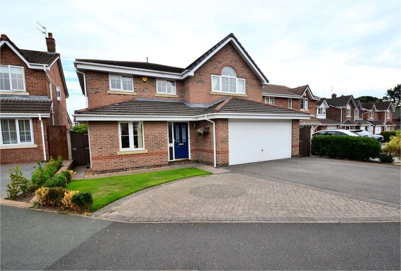 4 Bedrooms Detached House for sale in Hall Pool Drive, Offerton, Stockport SK2 5ED
