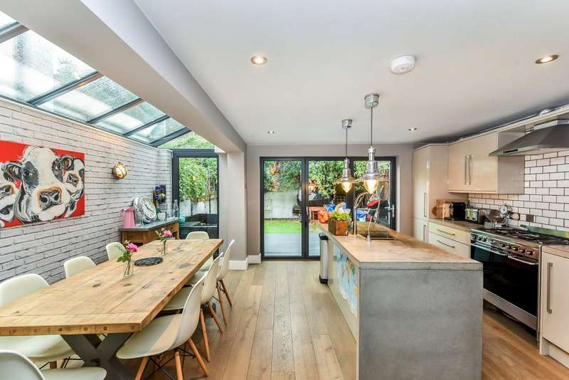 5 Bedrooms End Of Terrace House for sale in Kemerton Road, Denmark Hill