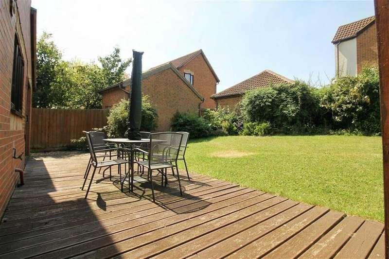 4 Bedrooms Detached House for sale in Egerton Gate, Shenley Brook End, Milton Keynes, MK5