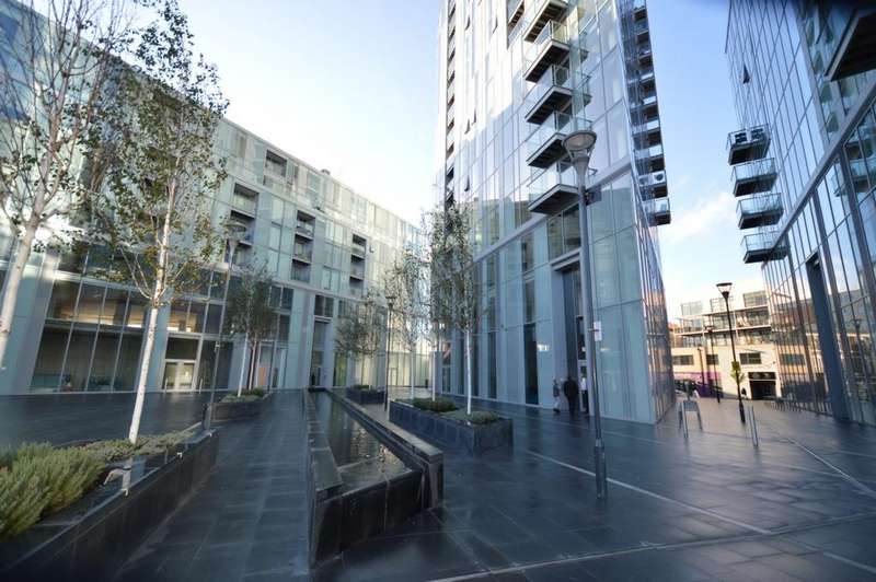 3 Bedrooms Apartment Flat for sale in Cavatina Point, Dancers Way, Greenwich, SE8