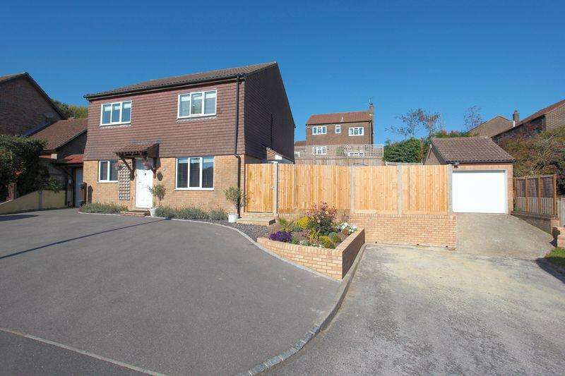 4 Bedrooms Detached House for sale in Beeches Farm Road, Crowborough, East Sussex