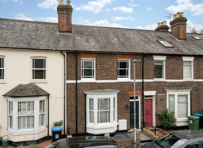 3 Bedrooms Terraced House for sale in Charles Street, Berkhamsted HP4