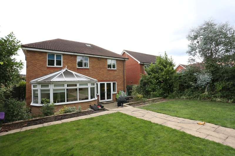 5 Bedrooms Detached House for sale in Wheldrake Close, Guisborough, North Yorkshire, TS14