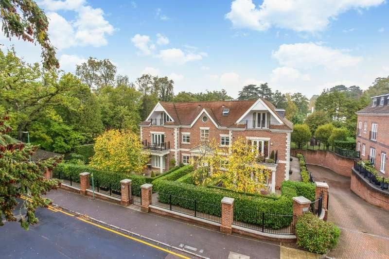 2 Bedrooms Apartment Flat for sale in Dorchester Mansions, Sunningdale