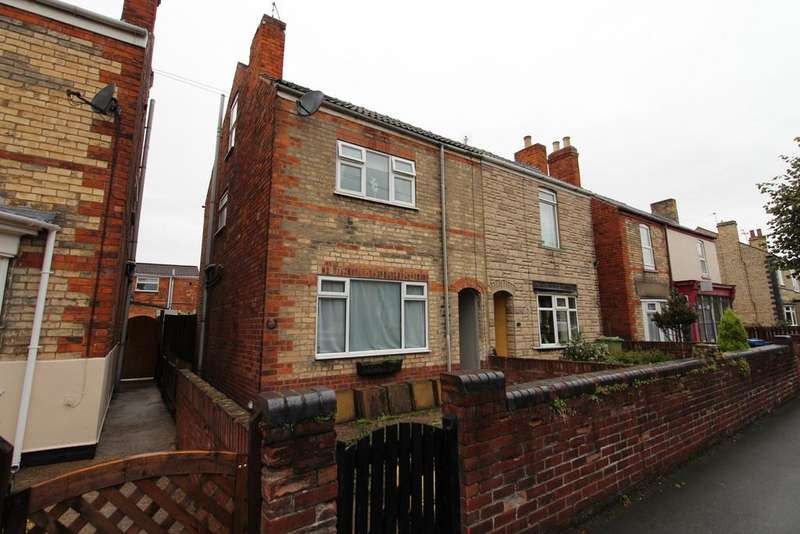 3 Bedrooms Semi Detached House for sale in Hotspur Road, Gainsborough