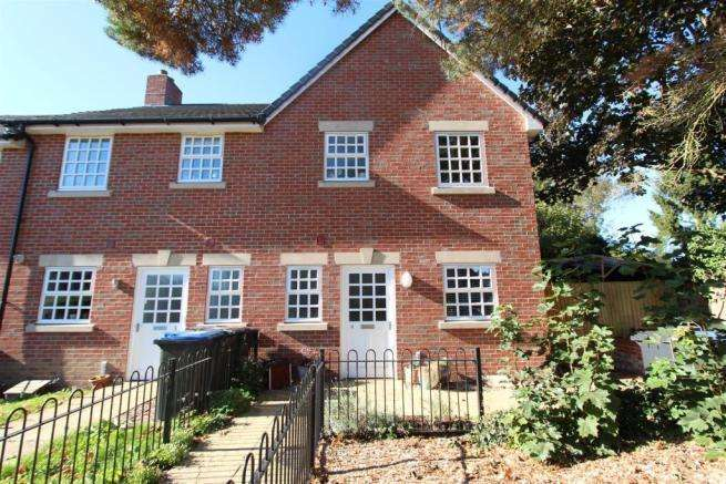3 Bedrooms Town House for sale in Rectory Mews, New Road, Burbage,