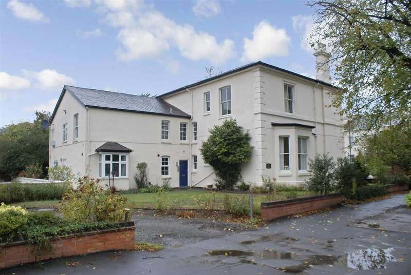 3 Bedrooms Apartment Flat for sale in Willes Road, Leamington Spa