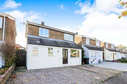 4 Bedrooms Detached House for sale in Mills Walk, Sandy, Bedfordshire