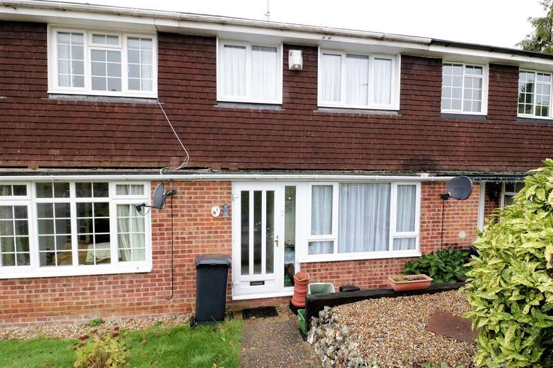 3 Bedrooms Terraced House for sale in Poppy Way, Calcot, Reading