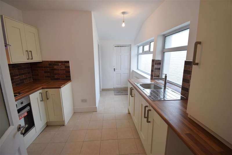 3 Bedrooms Terraced House for sale in Clifton Street, Middlesbrough, TS1 4BX