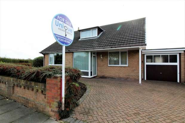 4 Bedrooms Detached House for sale in Sunningdale Drive, , FY5