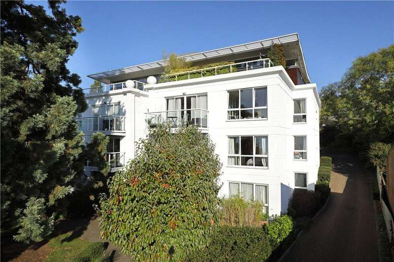 2 Bedrooms Penthouse Flat for sale in Queensmere Road, Wimbledon, SW19
